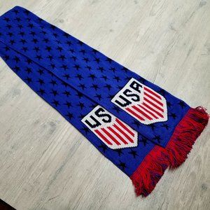 USA Soccer Knit Scarf. Perfect Condition! Soft!